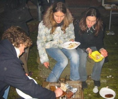 Foto Sanne op winter-barbecue